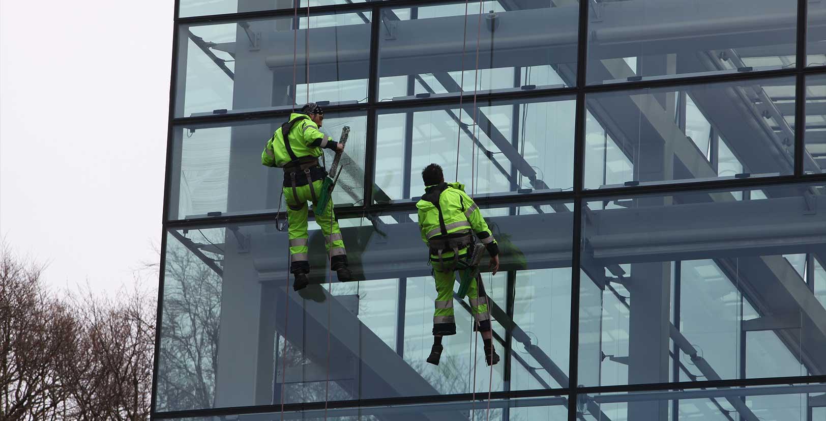 Fönsterputs på Världskulturmuseet